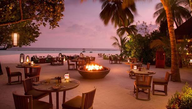 Babymoon at Constance Halaveli, Maldives - Meeru Restaurant