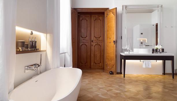 Aman Venice, Italy. Venice Babymoon. Papadopoli Bathroom