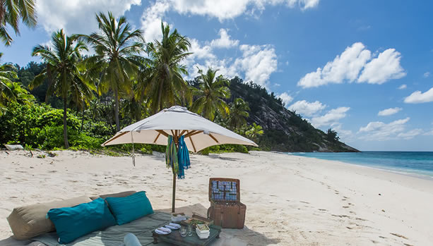 North Island - Seychelles Babymoon - Picnic on the Beach