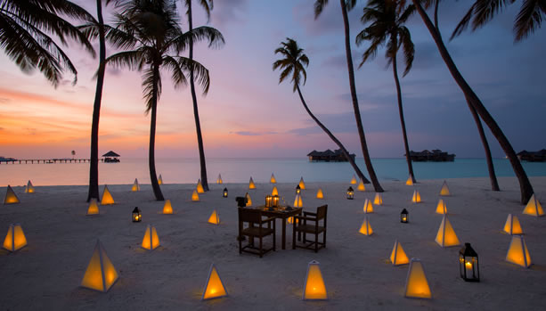 Maldives Babymoon at Gili Lankanfushi - Beach Dining