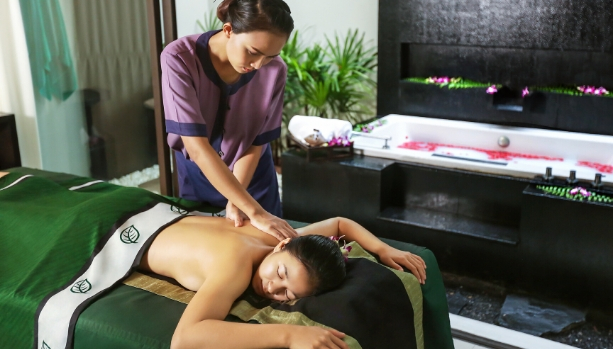 SPA THERAPIST AT BANYAN TREE SAMUI