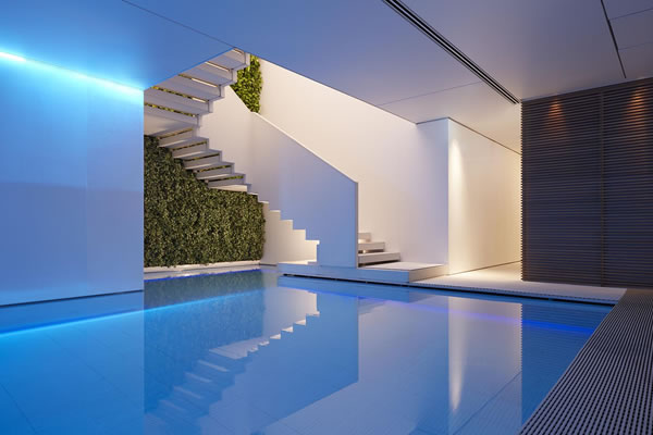 Akasha Spa Indoor Pool - ©Conservatorium Hotel, Amsterdam / The Set Collection